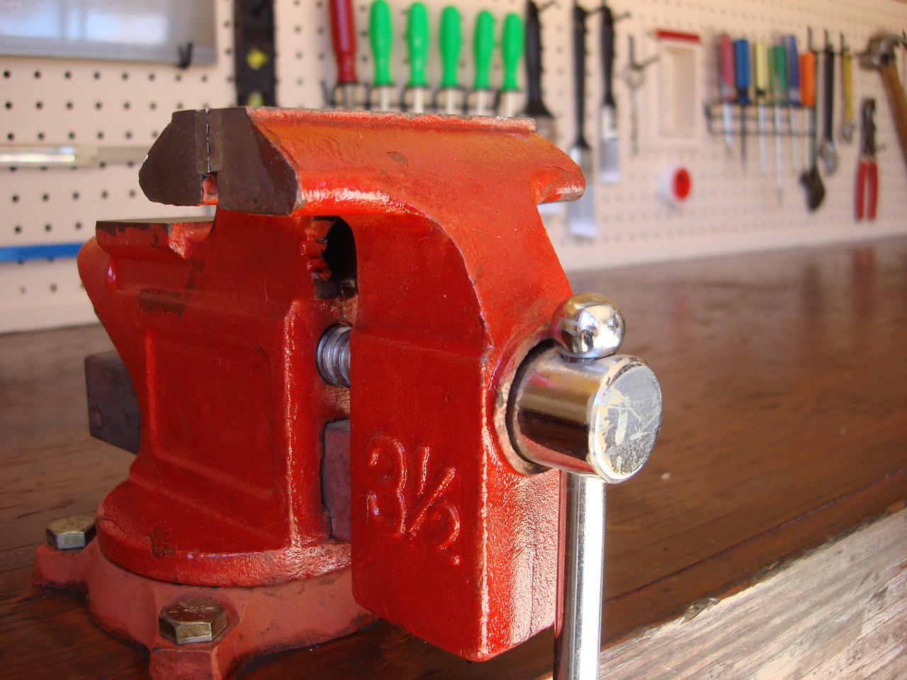 Step-By-Step Guide to Setting Up A Woodworking Shop At Your Home
